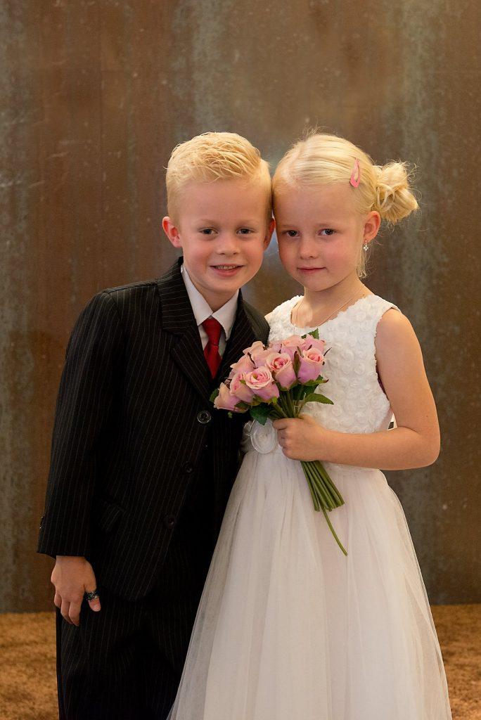 kinderen in trouwpak